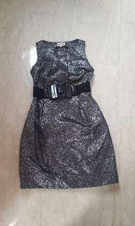 Silver jacquard dress with belt