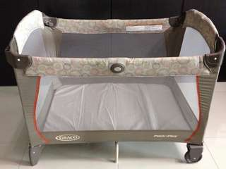 """Graco """"Pack n Play"""" Playpen & Cot with Bassinet & Napper & mattress (complete set)"""