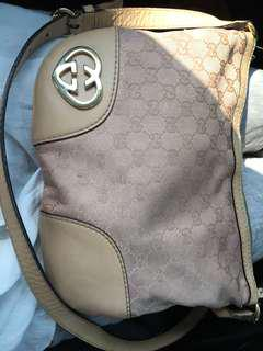 Gucci sling bag ,just out from spa!! Very good condition