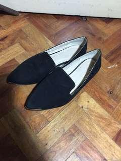 Parisian black (school) shoes