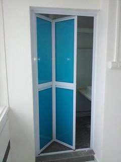 Aluminum Bifold toilet door Call US 97108558 complete set
