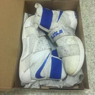 Nike籃球鞋us9.5 籃球鞋 9成新