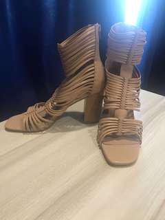 Fashionable women's high heel shoes