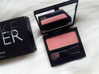 Blush On Make Over Shade : PROMICIOUS PEACH Exp date : 2021