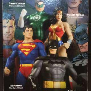 DC DIRECT CLASSIC ICONS
