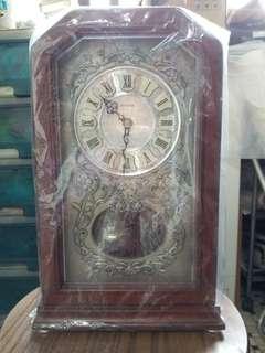 古董红木鐘
