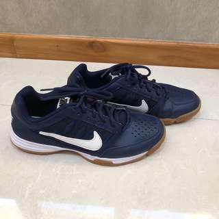 Nike Court Shuttle 5