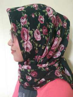 Hijab Premium segiempat
