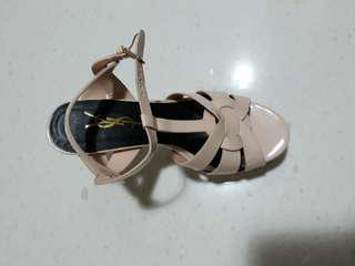 Nude painted leather sandals