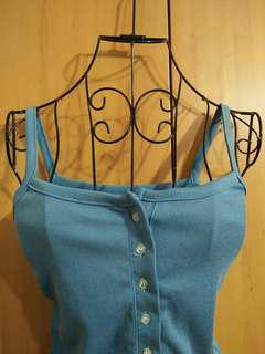 🚚 兩件免運。性感合身修身藍色細肩帶小背心無袖上衣
