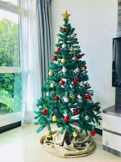 Pre-loved 1.8m Christmas Tree 600 branches