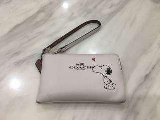 💜Coach Limited Edn Snoopy Wrislet