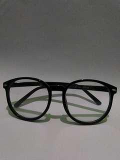 [ USED ] Kacamata Frame Hitam