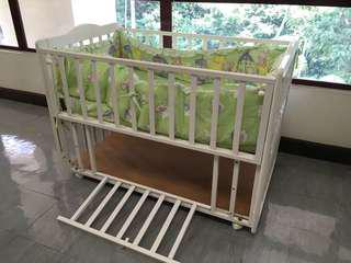 Wooden Baby Cot - white