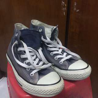 Preloved sepatu converse high navy original