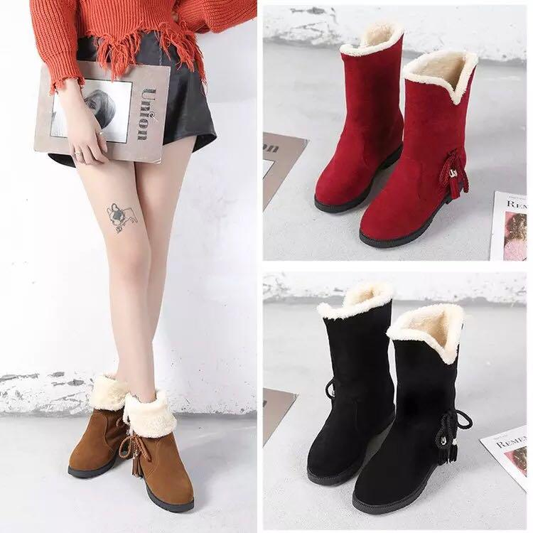 Autumn and winter fringed snow boots