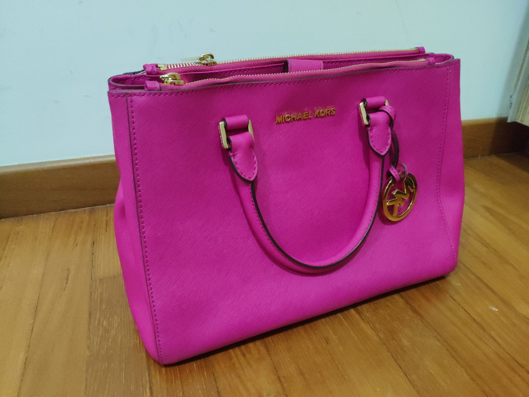 5d2d19f5809f Authentic Michael Kors handbag (Pink)