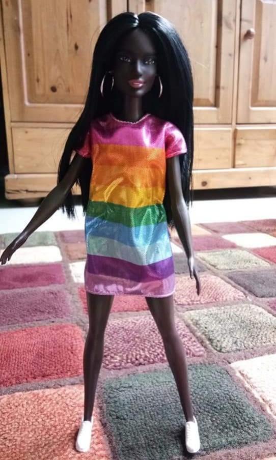 Barbie Fashionista Rainbow Bright df15dc157a