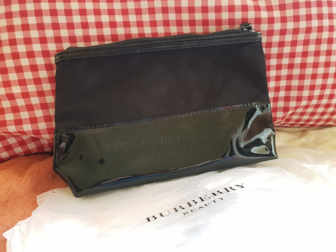 71cd78914725 Brand New Never used Burberry Beauty Cosmetic Pouch
