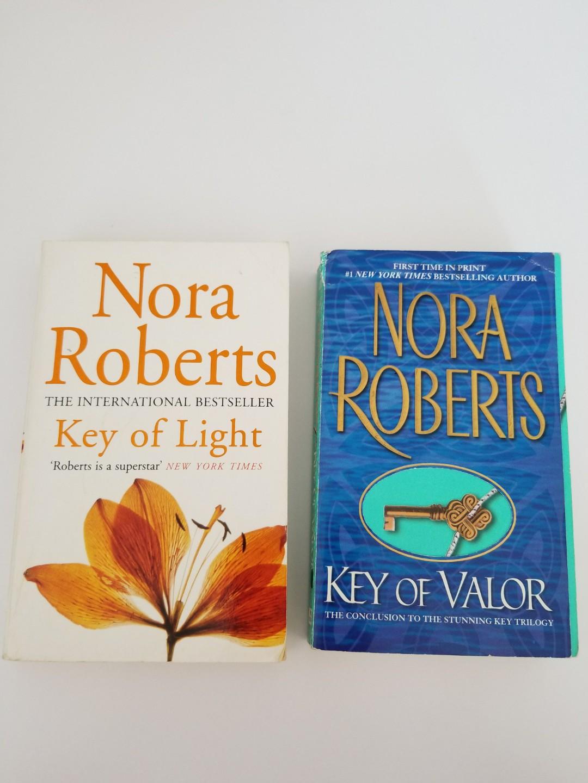 Free Postage Nora Roberts Duo Key of Series