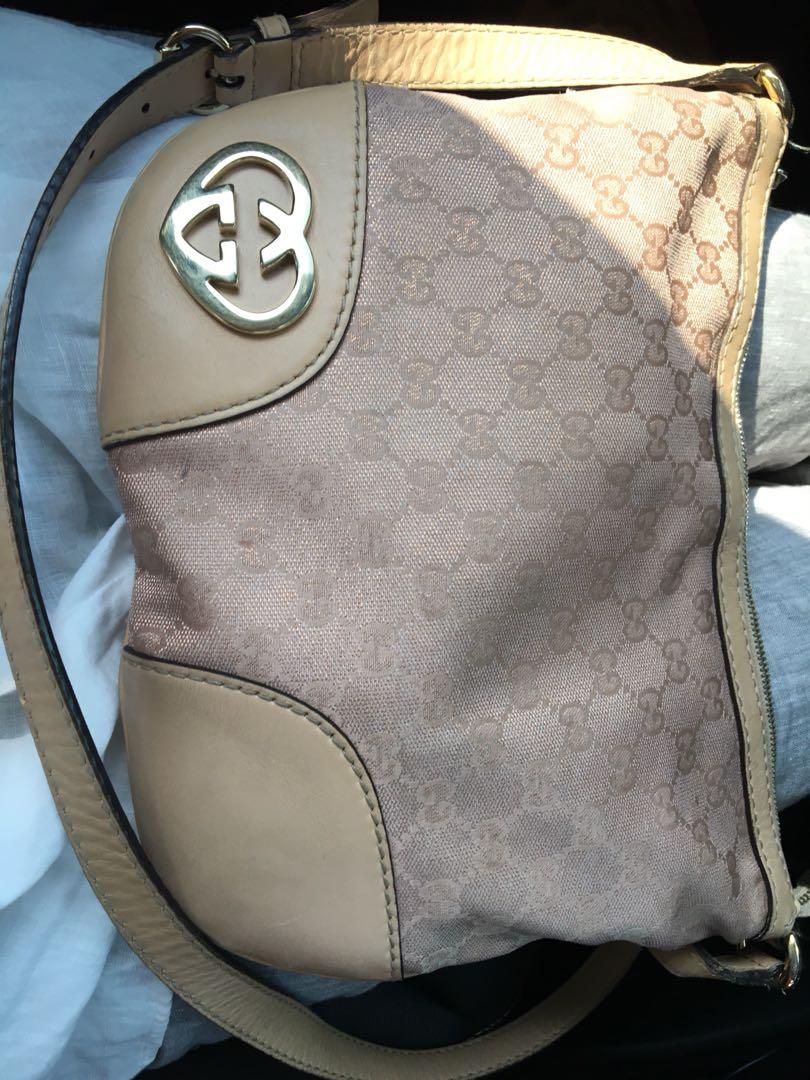 705432f51c3 Gucci sling bag