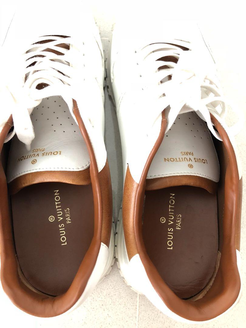 7ba673be6f54 Louis Vuitton white sneakers