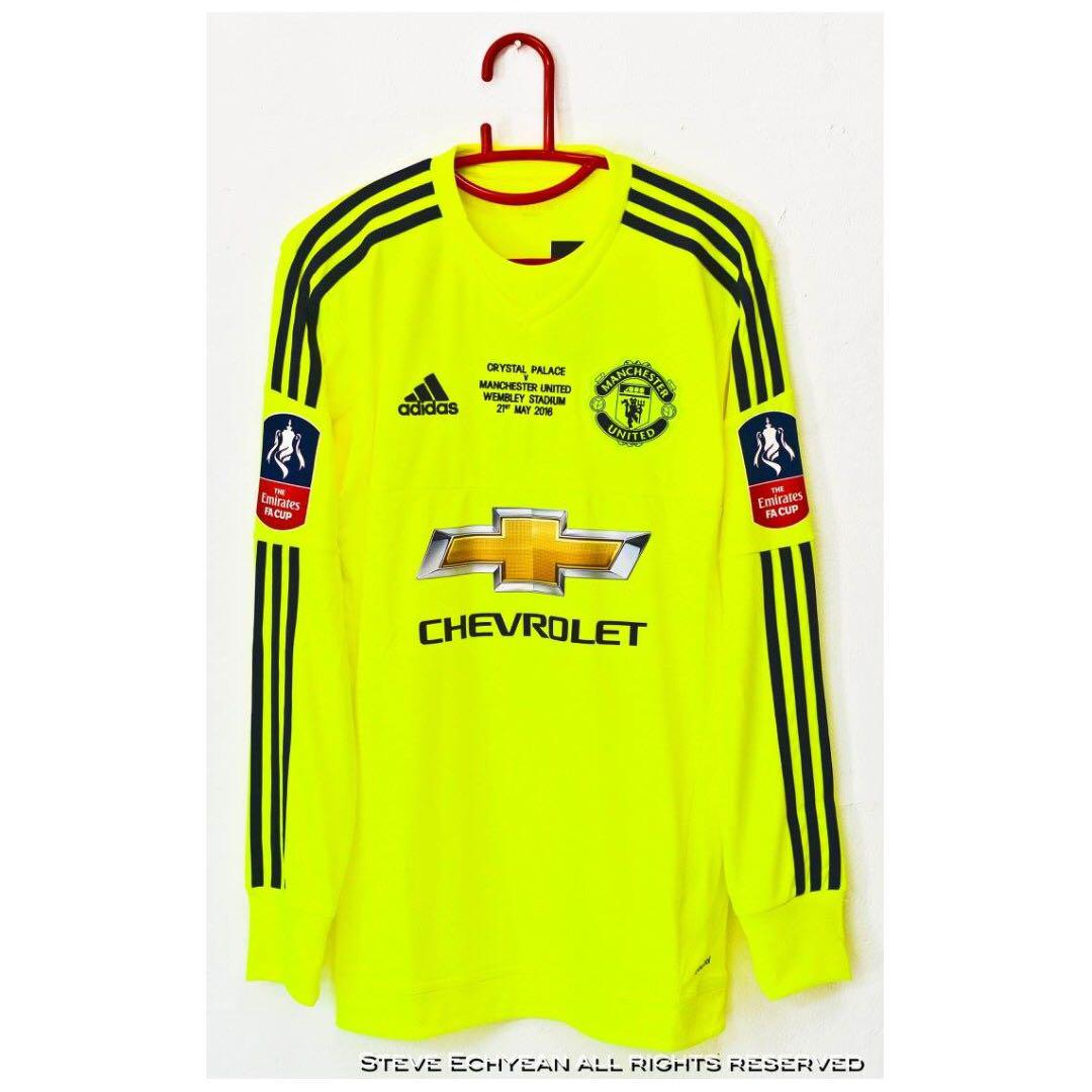new style 1a07f bc353 Man Utd 2015/16 FA Cup Final (LS) with David De Gea NNS and ...