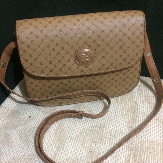 5bf97ae4b33 Paolo Gucci Italy original on Carousell