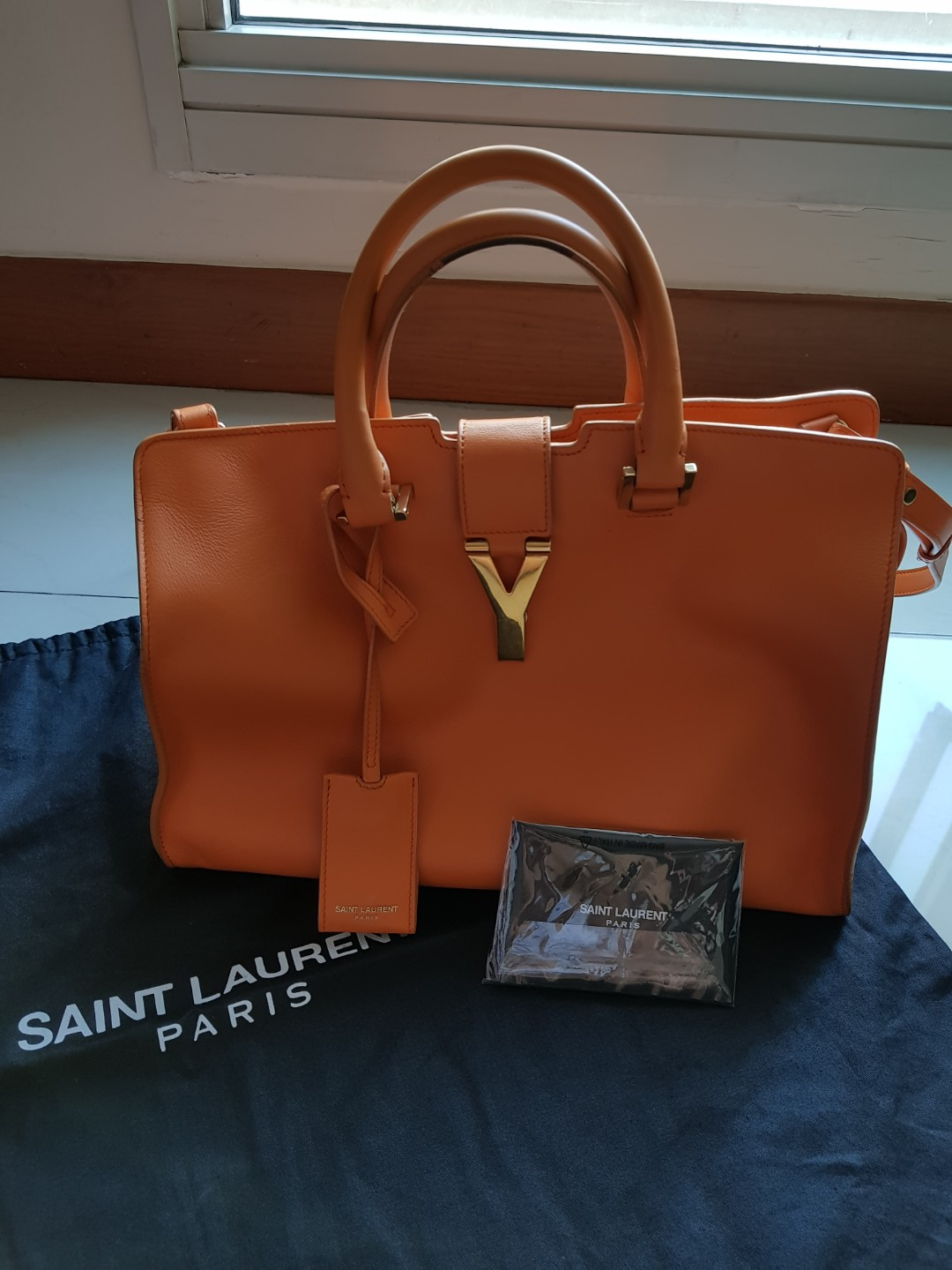 05b070fc6d83 YSL SAINT LAURENT Classic Y Cabas Bag