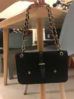 BN Black / Gold Chain Handbag (like Chanel)