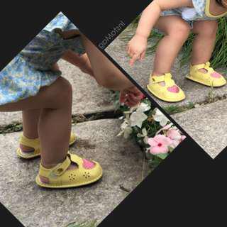 🚚 雨傘牌 女寶寶學步鞋 14公分 二手