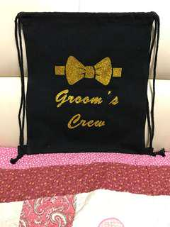 *兄弟團禮物* 自家設計手作布袋(金色閃粉領結及Groom's Crew) *Groomsmen's Gift* Self-designed Handmade Tote Bag (Gold Glitter Bow Tie and Groom's Crew)