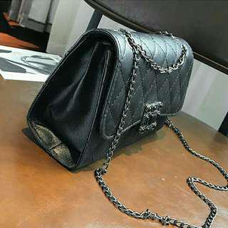 Nine square slingbag