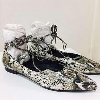Jeffrey Campbell Snakeskin Genuine Leather lace up flats