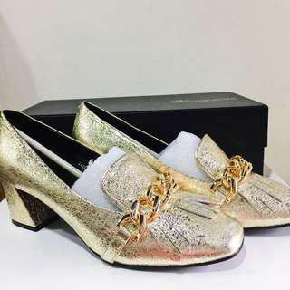 Venilla Suite cracked Gold Leather Gucci-inspired shoes