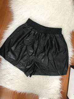 Pleather high-waisted Shorts