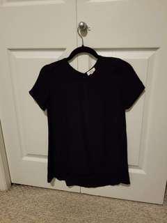 Aritzia Wilfred t shirt 100% silk XS