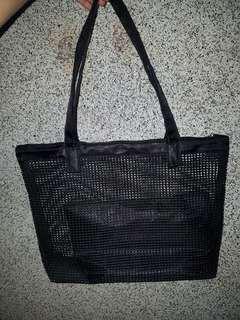 Repriced - Black net-like bag