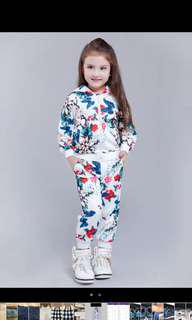 🚚 女童印花套裝帶帽上衣+長褲 Size:125cm