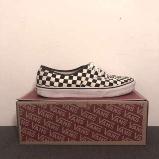 🏁 Checkered vans (size 11)
