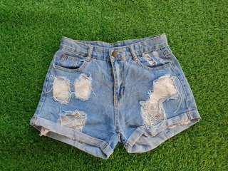 Highwaist ripped hotpants