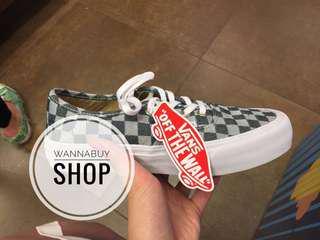 Vans Womens 灰色格仔鞋