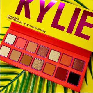 Kylie Cosmetics Vacation SUMMER Palette 🌴