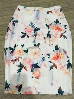 Fitted floral skirt