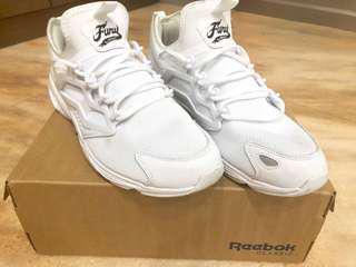Reebok經典白鞋,價可議
