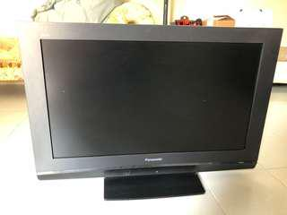 "Panasonic 32"" LCD TV (HD Ready 720p)"