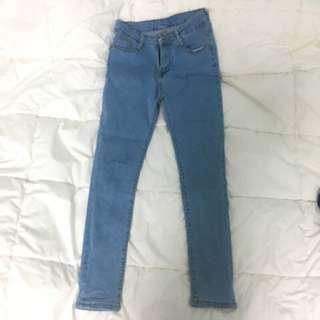 🚚 淺藍牛仔長褲