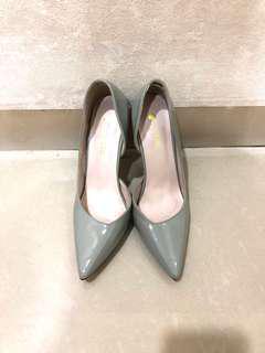 Basic heels/pumps