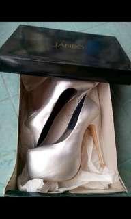 Janeo Heels