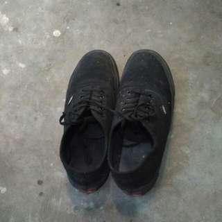 Sepatu vans fullblack